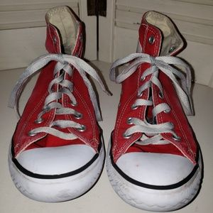 Youth Chuck Taylor's 3J232 red hightop